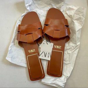 ZARA BNWT Low Heel Leather Sandals   Sz 41